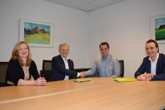 Annelies Wolters, Johannes Wolters (both Lode Holding) and Patrick van der Meulen and Nico Dam (both enie.nl)