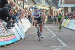Chantal Blaak wint in 2018 etappe in Winsum (Foto: Sportfoto.nl)